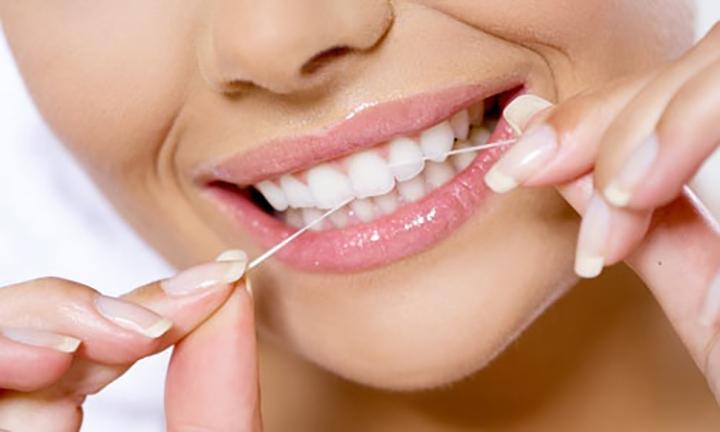 importancia-do-fio-dental-dr_flavio_ferraz